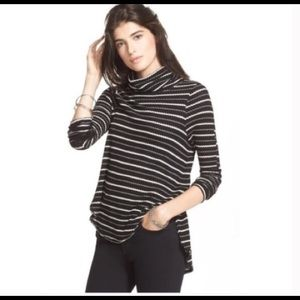 Free people black and white turtleneck size s